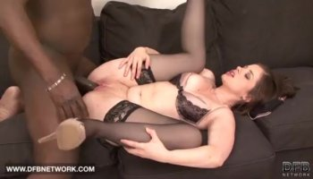 Babe delights with her wanton weenie riding