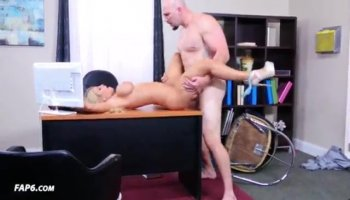 Attractive honey is giving a blowjob for specie